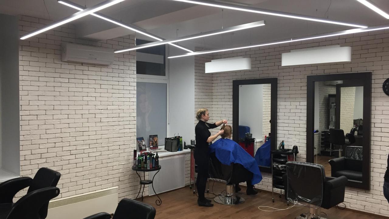 08dce7440b41 Фирменный магазин Reebok в метрополисе · Небольшая парикмахерская на  Войковской